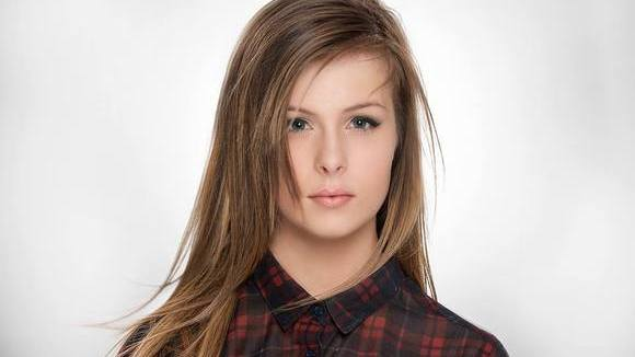 Jessica Doherty - Folk Acoustic Pop Live Act in Derry
